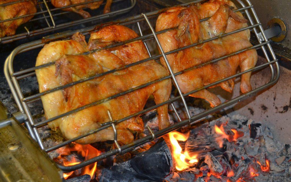 Quán thịt rừng ngon ở Đà Lạt có món gà chỉ rất đặc biệt.