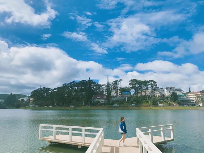 Hồ Xuân Hương nằm ngay ở trung tâm thành phố Đà Lạt