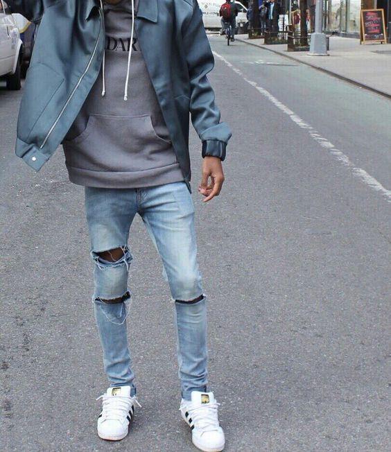 Quần jeans rách sẽ mang đến sự bụi bặm và cá tính cho các bạn nam